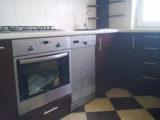 szafki kuchenne wokół kuchenki i zmywarki