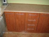blat kuchenny na szafkach i szufladach